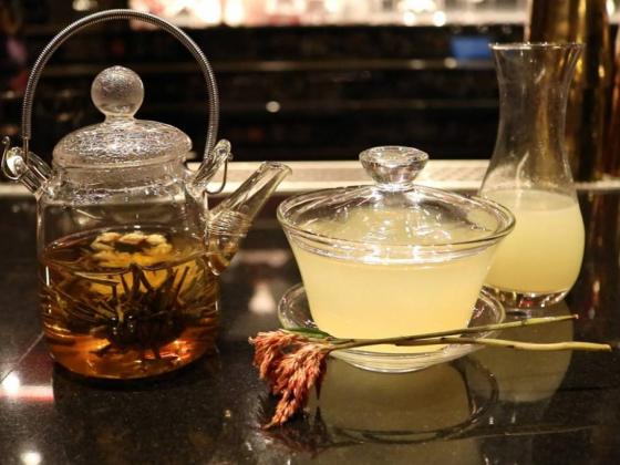Golden Lotus cocktail honors Chinese tea service