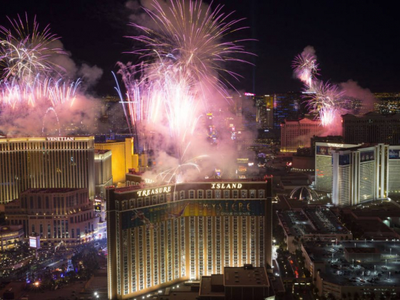 Here's where to watch NYE fireworks in Las Vegas
