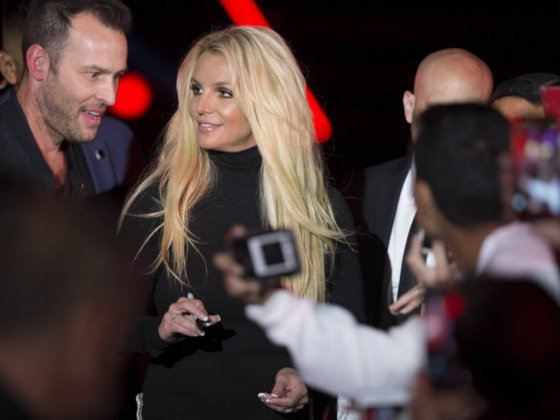 Britney Spears puts Las Vegas Strip show on hold