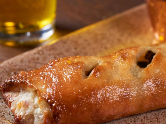 Summerlin restaurateur's STRoLL is doughy and cheesy