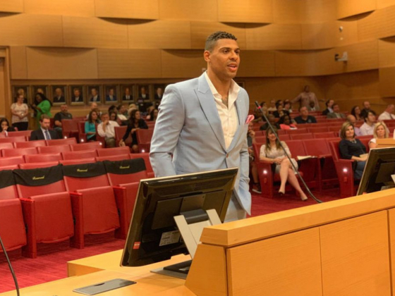 Golden Knights' Ryan Reaves gets brewery approved in Las Vegas