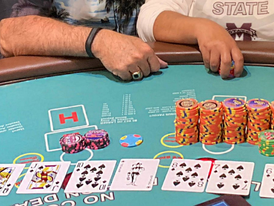 Card player turns $1 into $110K at Las Vegas casino