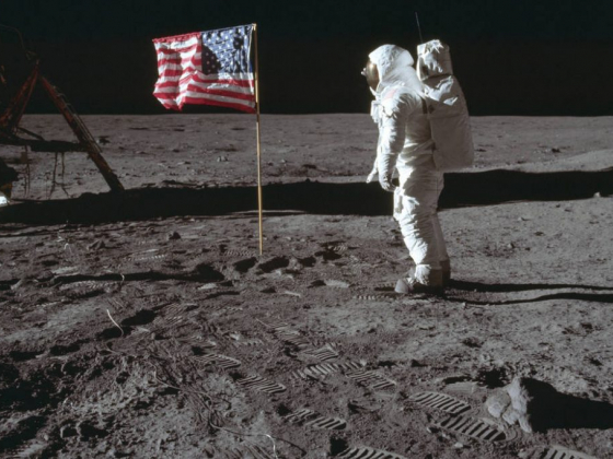 Las Vegas man's tapes of Apollo 11 moon landing auctioned for $1.8M