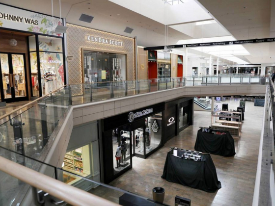 Fashion Show mall on Las Vegas Strip offering curbside pickup